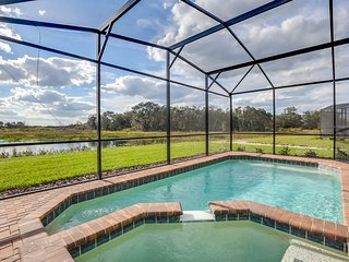 Stunning SW facing lake view pool home5461 MOC