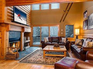 3BR/3BA Spacious Aspenwood Townhouse in Deer Valley – Near Skiing, Bus