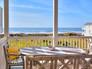 Spectacular Ocean Views! 4BR w/ Deck, Balcony, Pool, Hot Tub & Kiddie Pool