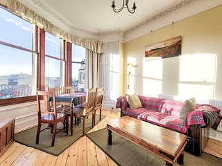 Stylish 2 Bed Apartment, Close To City Centre