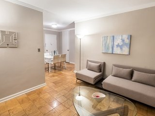 21BE-UES-2BR-1BA-POOL-BALCONY-DOORMAN-AC