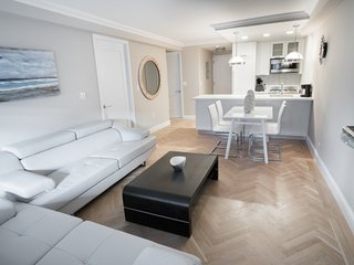 19KW-UES LUXURY 2BR APARTMENT WITH GYM!!
