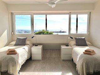 Eden Roc Beachfront Apartment - E10