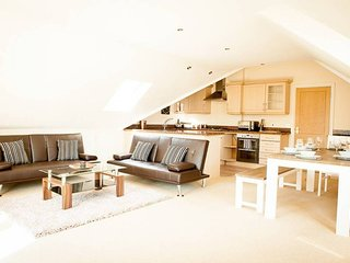 Mulberries . Spacious Swanage Penthouse