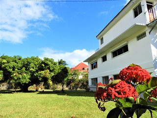 Habitation SUGER ❤ Villa EcoClimatique & Jardin