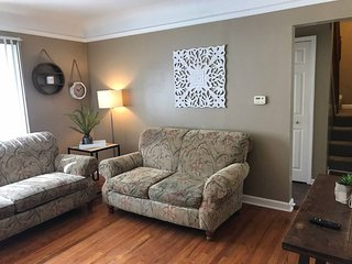 Mansfield Manor - Clean and Comfortable Near Auburn Hills