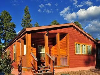 2  BDRM CABIN ~ PVC at the ROUNDHOUSE RESORT- GREAT LOCATION- HIKING- FISHING