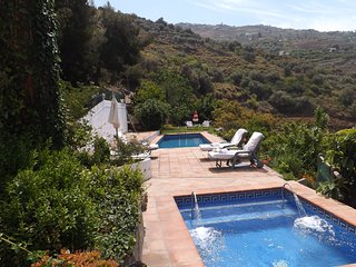 Casa rural con piscina privada , wifi gratis