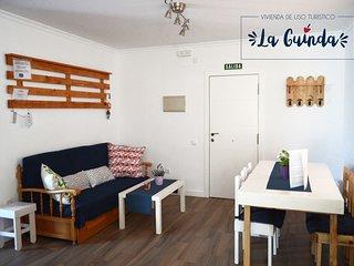 Apartamento La Guinda, situado a pocos minutos andando del centro de la ciudad.