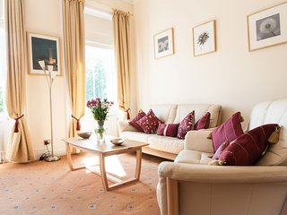 Tay Views Apartment, in heart of Perth with views of River Tay