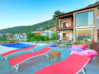 Eva Bodrum - Bodrum City Villa - with great sea view, 4 bedrooms Sleeps 10