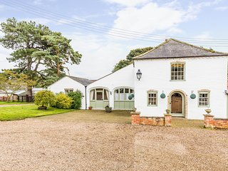 Coach House - A stunning three bedroom luxury holiday cottage for up to 7 guests