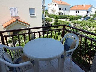 Cozy apartment in the center of Njivice with Parking, Internet, Air conditioning