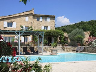 Saumane-de-Vaucluse Villa Sleeps 10 with Pool and WiFi - 5767352