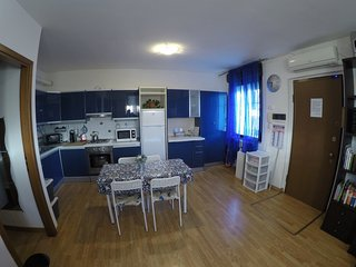 Spacious apartment very close to the centre of Saronno with Parking, Internet, W