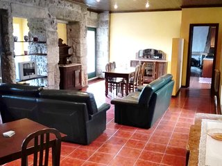 Spacious house very close to the centre of Taide with Parking, Internet, Washing