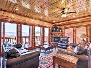 NEW! Pigeon Forge Area Cabin - 9 Mi. to Dollywood!