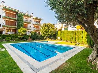 Calella de Palafrugell Apartment Sleeps 4 with Pool - 5246958