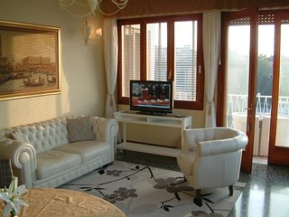 Spacious apartment in Lido with Lift, Internet, Washing machine, Air conditionin