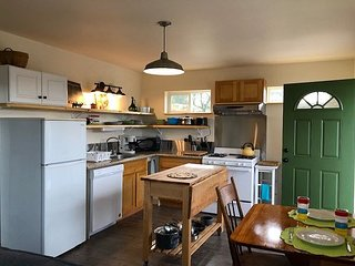 Class, Comfort & Convenience in Downtown Arcata on a budget!