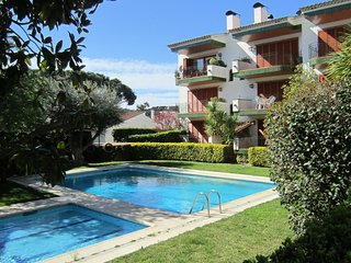 Calella de Palafrugell Apartment Sleeps 4 with Pool - 5246959