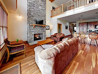 3-Story Townhome w/ Fireplace & 3 Decks – Walk to Wolf Ridge Ski  Resort