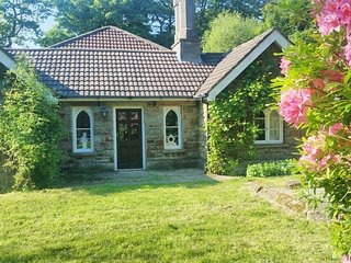 The Keeper's Cottage - Secluded former gamekeeper's 4 bed cottage. Dogs welcome
