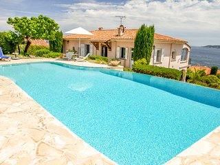 211006 4-bedroom villa, full sea view, pool, beach 600 mtr, centre 900 mtr, BBQ