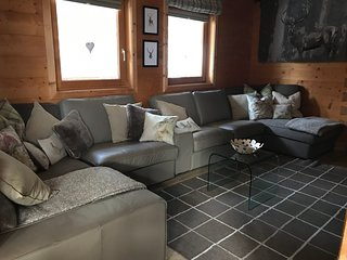 Very comfortable open plan lounge/dining and kitchen area makes this chalet very family friendly