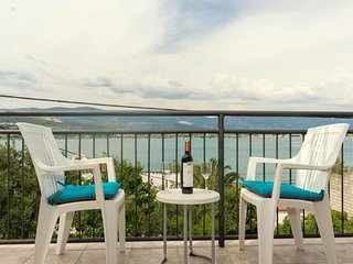 COZY HOLIDAY HOME IN TROGIR WITH SEA VIEW FOR RENT
