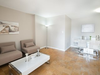 15HE-86TH STREET 3BR IN UES-POOL-DOORMAN
