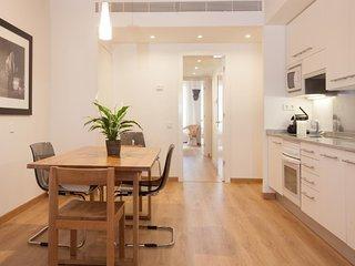 Charming apartment next to Plaza Catalunya! 5 2