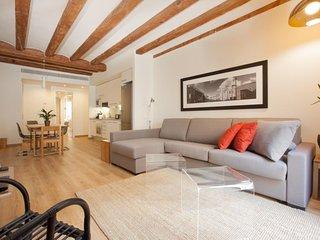 Modern and luminous CENTER apartment 3 2
