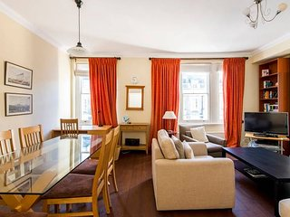 Charming & Minimalist 2bed Flat - South Kensington