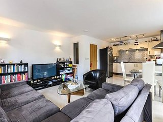 Charming gated 2bed flat, Fulham (FLAT 2)