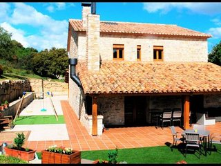 Calaf Villa Sleeps 10 with Pool and WiFi - 5622440