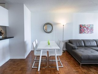 32K-GORGEOUS UWS-1BR-BALCONY-GARAGE-POOL