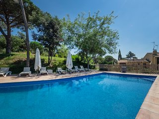 Super villa with 6 BR, 4 BA, POOL, FULL SPA, PADDLE, PLAYGROUND, BBQ, WIFI...