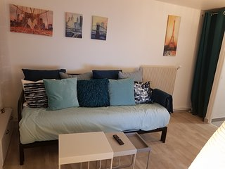 Near PARIS: Cozy Appartment at GARE Massy TGV & Massy-Palaiseau & Direct Airport