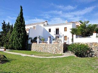 4 bedroom Villa in Benalmádena, Andalusia, Spain - 5700525
