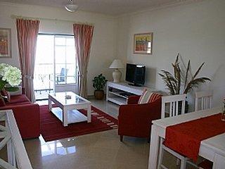 Belas Vistas 1,Beautiful 1 bed apartment (sleeps upto 4) stunning sea views