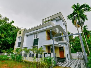 Fully furnished luxurious 2 BHK house new Aster Medcity Ernakulam.
