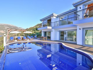 Luxury Villa Grand Sunset - private sea platform