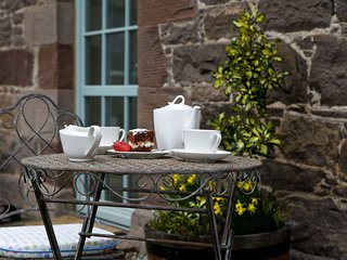 Locherlour Mill Cottage in historic Crieff. Perfect for couples.