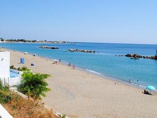 Family Apartment on beach in Skyros