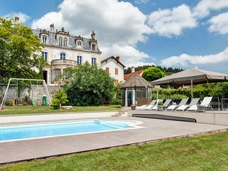 8 bedroom Chateau with Pool and WiFi - 5049848