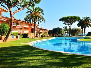 Calella de Palafrugell Apartment Sleeps 4 with Pool - 5247018