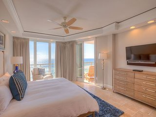 HighPointe 32W - New Remodel, Luxurious High Pointe Gulf Front, 1 Beach Setup
