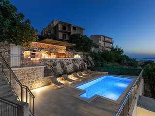 Amazing Sunset Holiday home with private pool