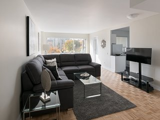 Beautiful Apartment in Heart of Downtown MTL - 76
